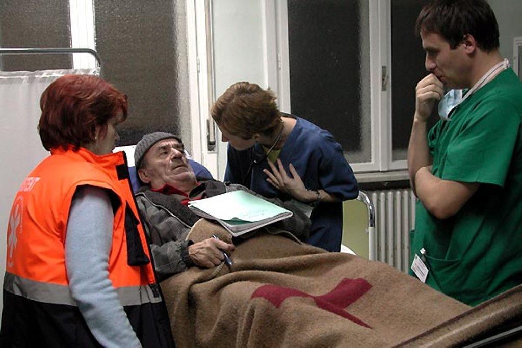 The Death of Mr Lazarescu 3
